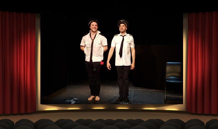 Issue de secours Théâtre du Marais Benjamin Isel Hadrien Berthaut Comédie critique théâtre chronique